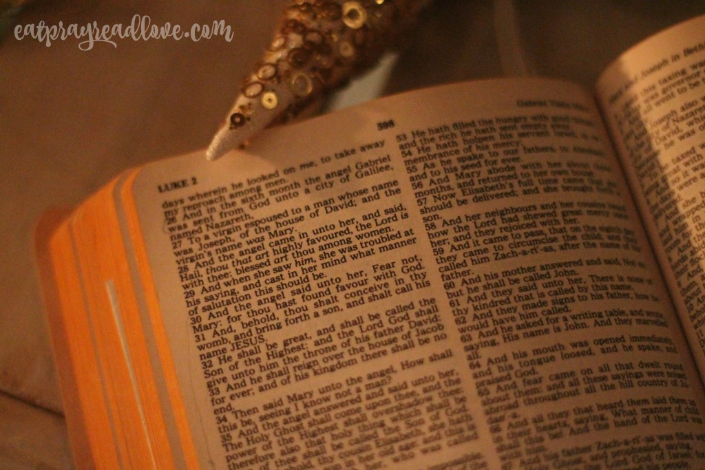farmhouse christmas porch Bible